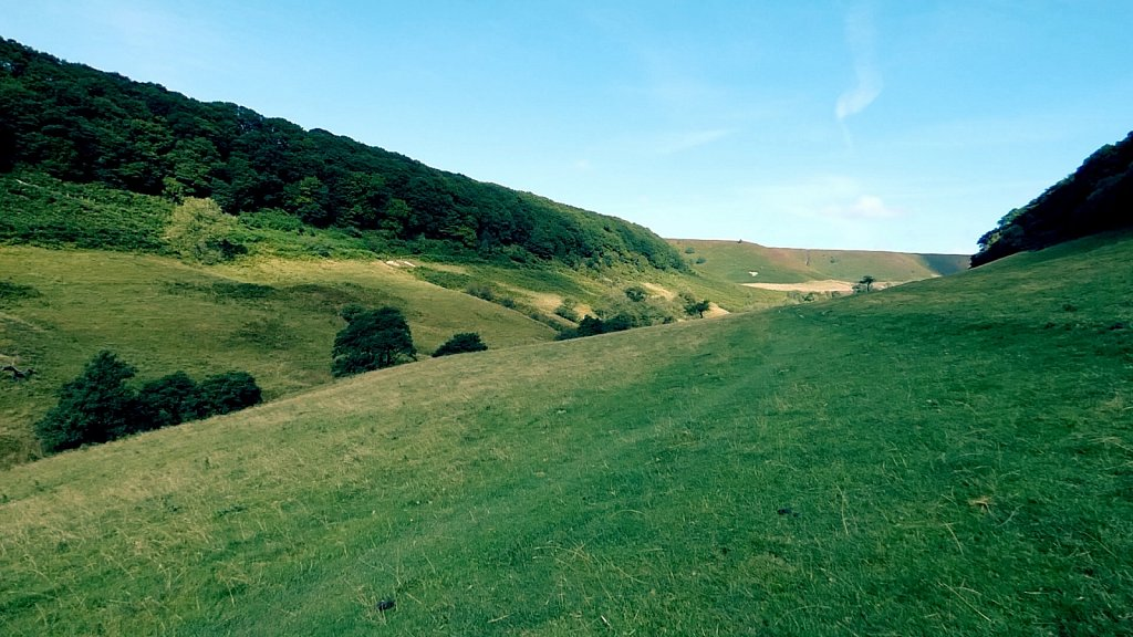 Looking-up-the-valley-Hole-of-Horcum.jpg