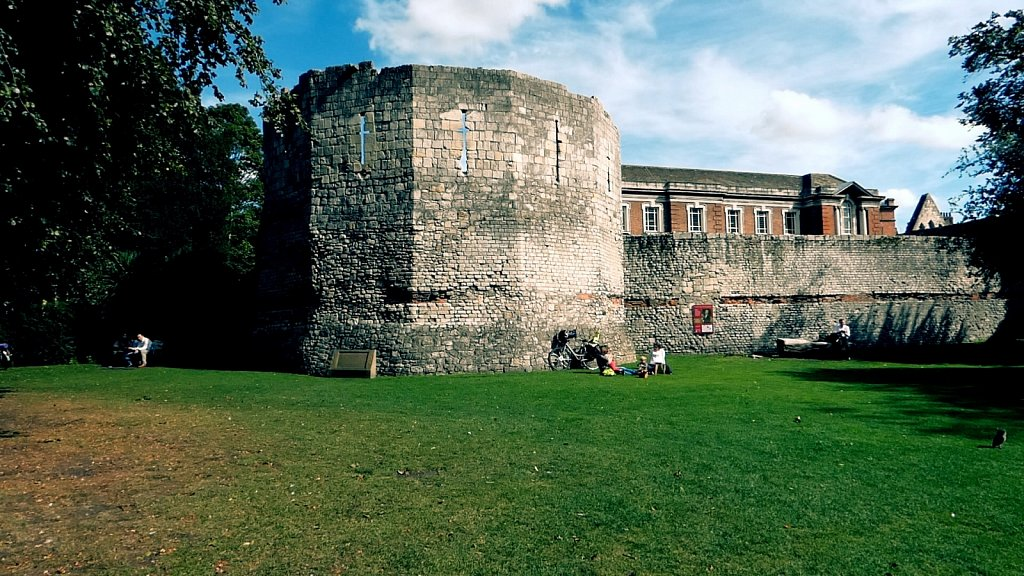 Multangular-Tower-York-City-Walls.jpg