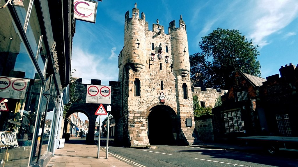Mickelgate-Bar-York-City-Walls.jpg