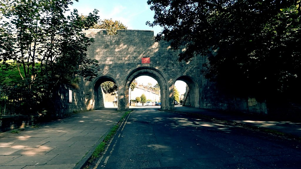 Victoria-Bar-York-City-Walls.jpg