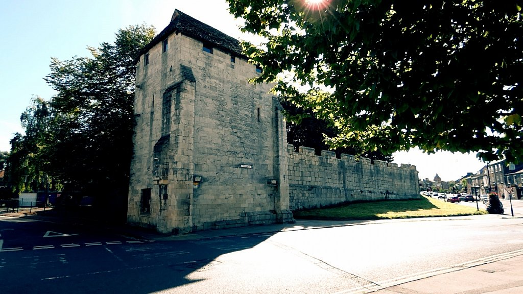 Fishergate-Postern-Tower-York-City-Walls.jpg