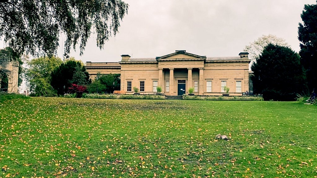 Yorkshire-Museum-in-the-Museum-Gardens.jpg