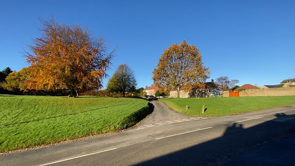 Amazing-colours-on-Oulston-Green2.jpg